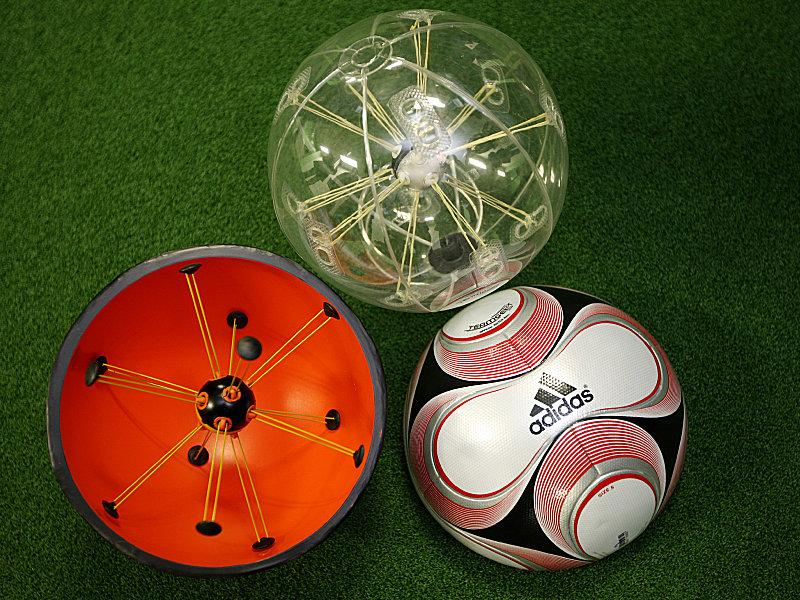 Fussball International Adidas Teamgeist 2 mit Chip