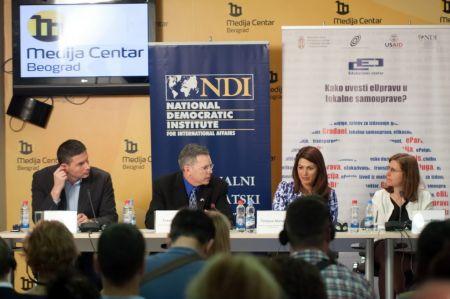 Tatjana Matić na okruglom stolu