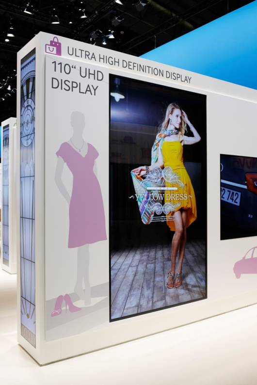 110 UHD Display 2