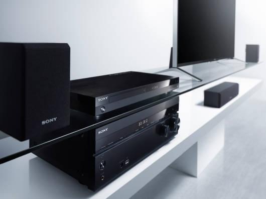 Sony_BDP-S7200_lifestyle