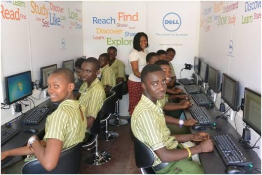 Fotografija 2 _Studenti u Dell laboratoriji