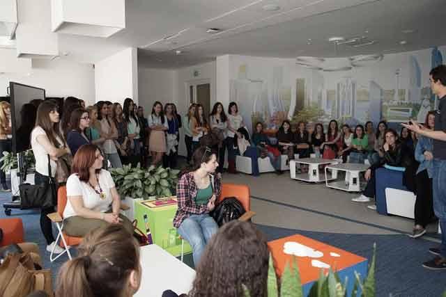 Majkrosoftov razvojni centar u Srbiji (Microsoft Development Center Serbia) organizovao posetu za studentkinje (i studente) IT smerova tehničkih fakulteta.